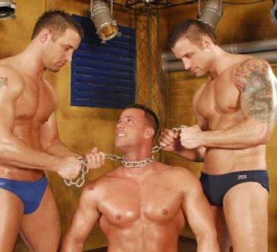 WrestleHard - Mangiatti Twins vs Max Summers