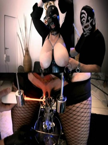 BDSM relationship in private life
