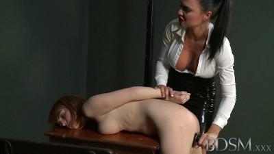 Mistress Jasmine on sub Lola