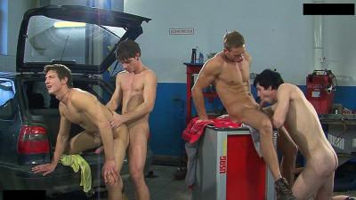 Raw Service, Scene 4 - Thomas Dyk, Rick Lucas, George Plozen, Martin Terk