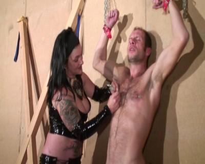 [Telsev] maitresse sessylia & ses martyres Scene #2
