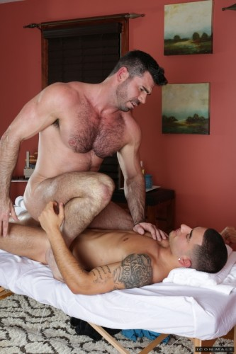 Icon Male - Gay Massage 4: Billy Santoro, Vadim Black