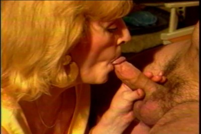 [Coast to Coast] Older women younger men vol2 Scene #1