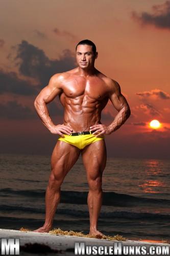 MuscleHunks - Rico Elbaz (2011)
